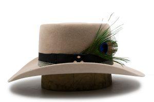 Sombrero Buskin Con Pluma Fino